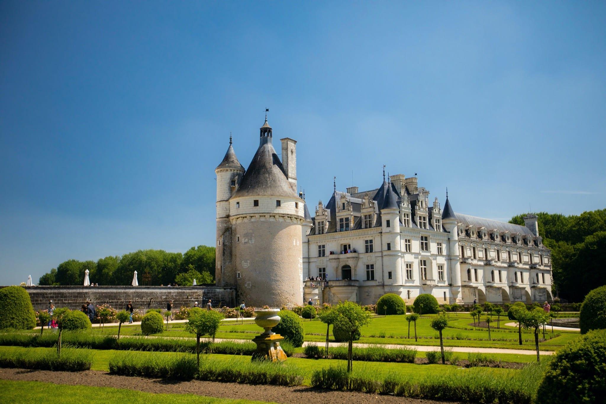 dorian mongel X8bwXanmSOo unsplash copy - Secretele Palatelor: Château de Chenonceau, castelul disputat de Caterina de Medici şi Diane de Poitiers