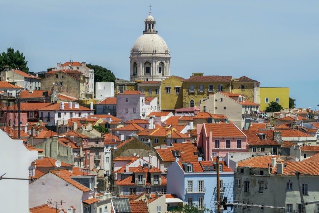 portugal copy 1024x683 - Locuri în care investiția în cea de-a doua casă poate fi o poveste de succes