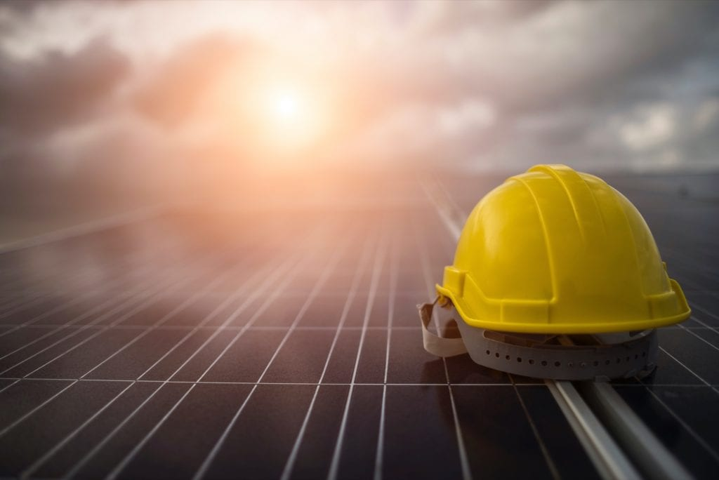 solar 1024x684 - Analiză: Dezvoltatorii imobiliari, tot mai interesați de tehnologiile smart din piață