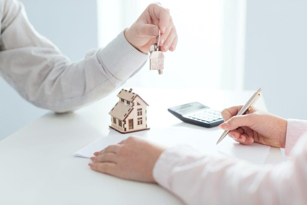 tranzactii 1024x683 - Analiză: Ritm dinamic pentru tranzacțiile imobiliare în drumul spre miliardul de euro