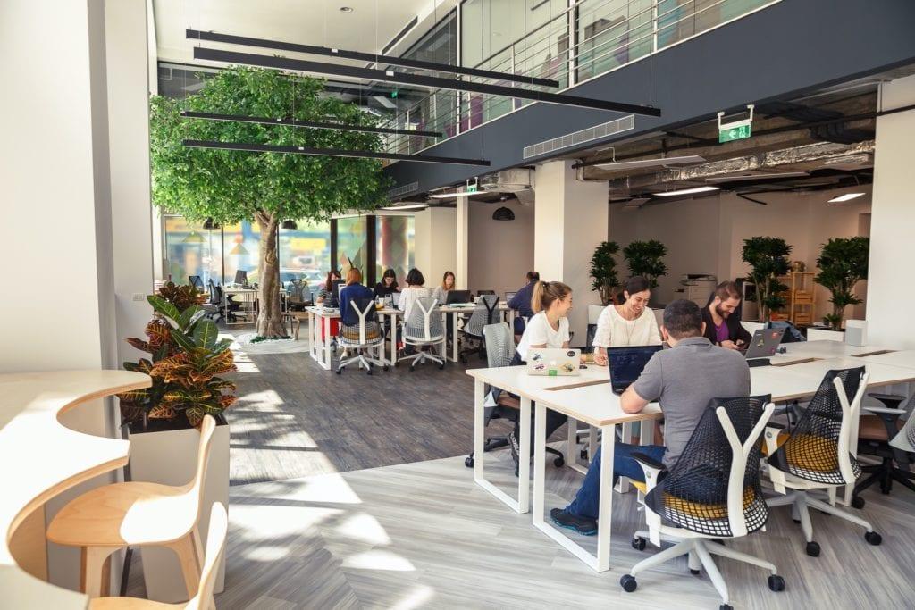 Impact Hub Bucharest copy 1024x683 - Top 5 proiecte de coworking și birouri flexibile din București