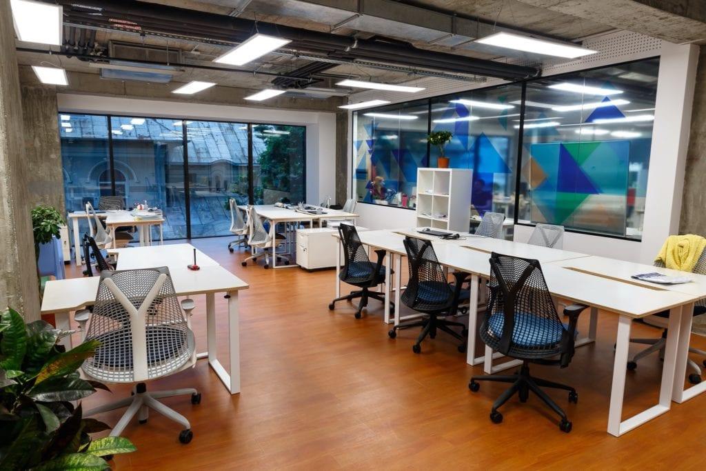 3house copy 1024x683 - Top 5 proiecte de coworking și birouri flexibile din București