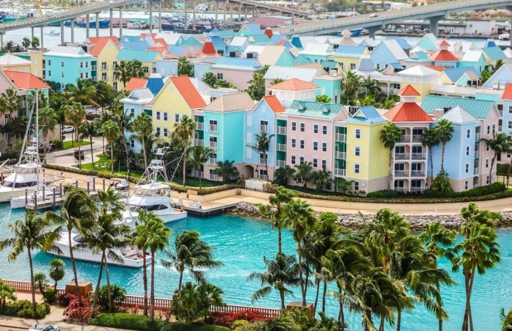 Bahamas 1024x661 - Țări în care cumpărarea unei case îți aduce un nou pașaport