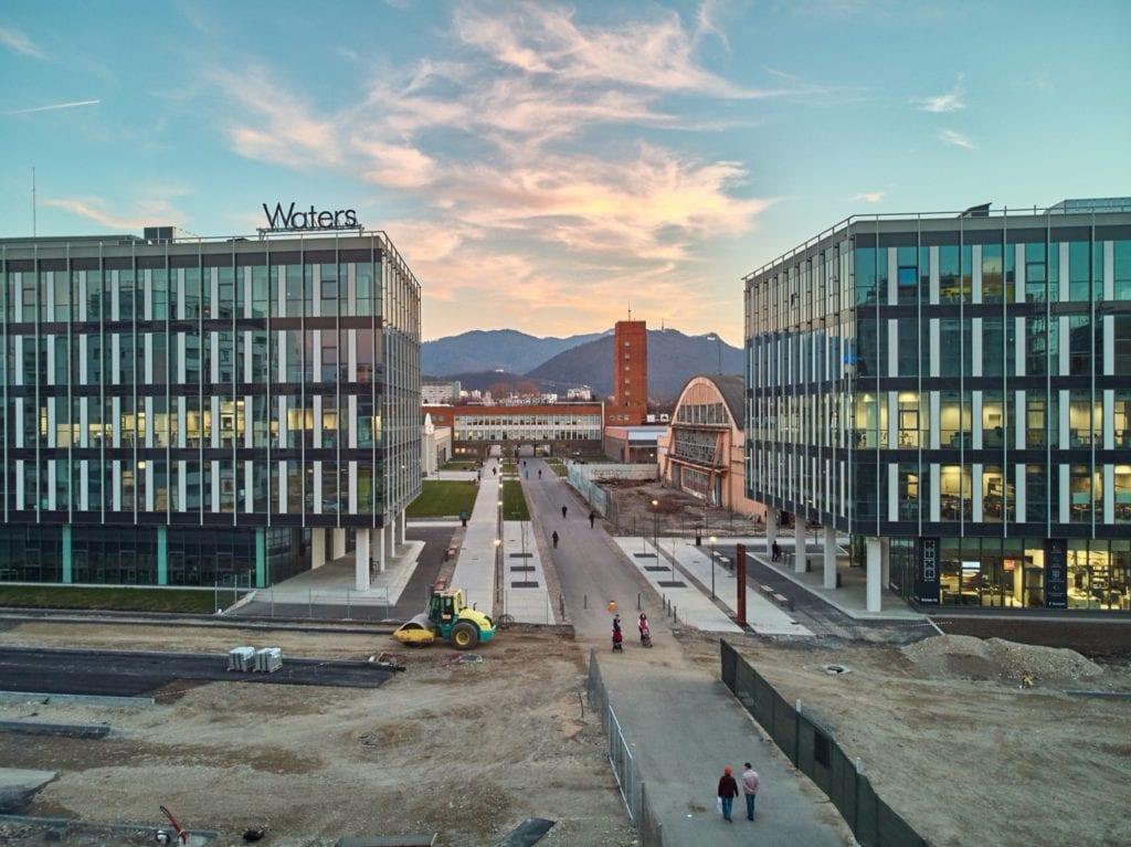 """Coresi Avantgarden 5 copy 1024x767 - Dezvoltatorii imobiliari accelerează investițiile în proiectele mixte cu trăsături de """"mini-orașe"""""""