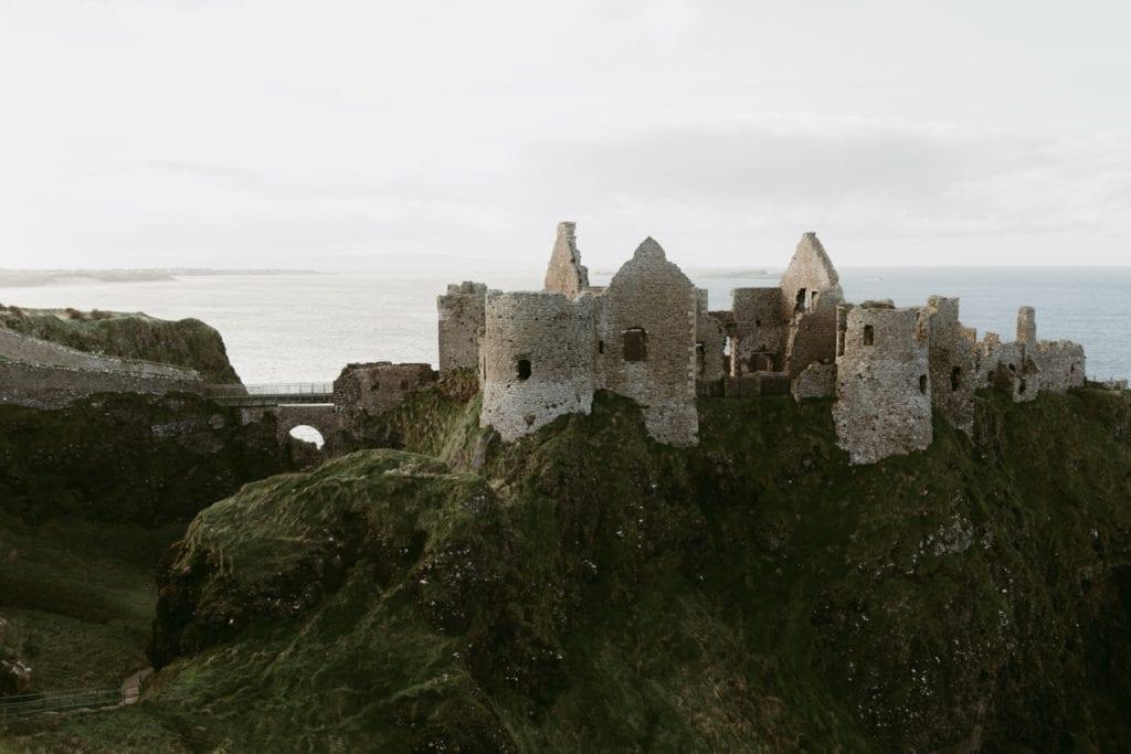 Dunluce Castle Northern Ireland 1 copy 1024x683 - Castelele din Irlanda şi fascinanta lor istorie