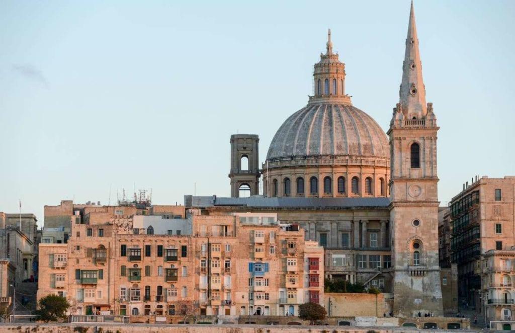Malta 1024x661 - Țări în care cumpărarea unei case îți aduce un nou pașaport