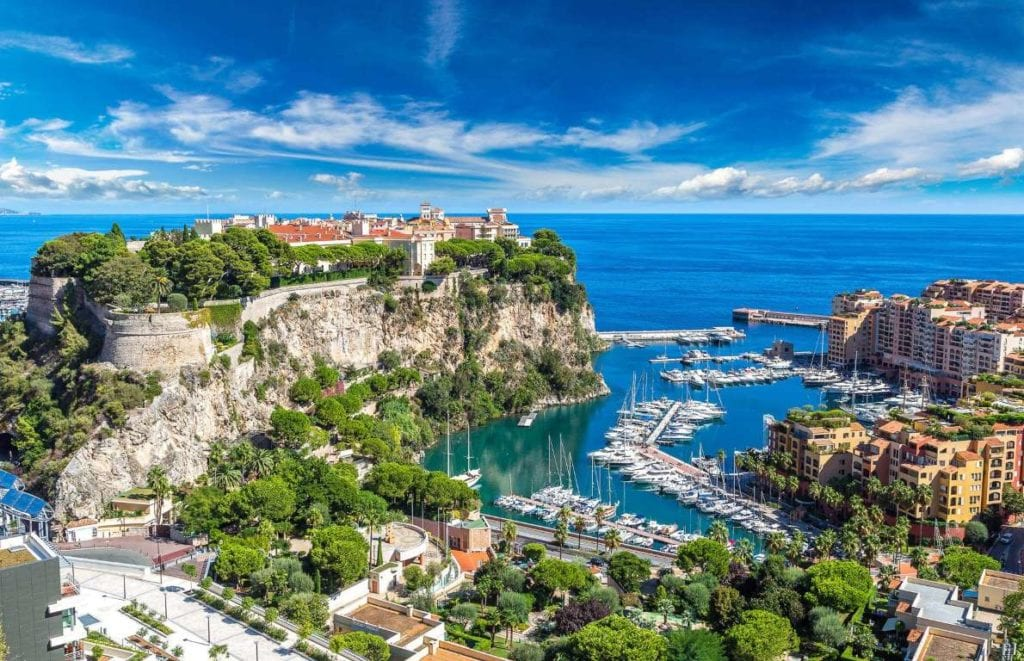 Monaco 1024x661 - Țări în care cumpărarea unei case îți aduce un nou pașaport