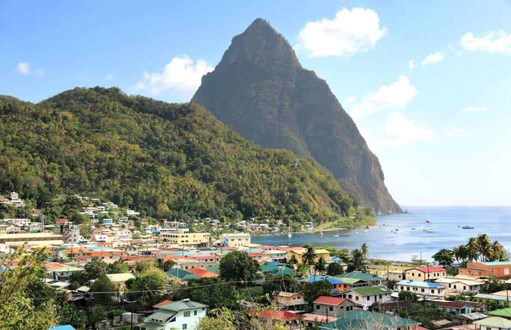 Santa Lucia 1024x661 - Țări în care cumpărarea unei case îți aduce un nou pașaport