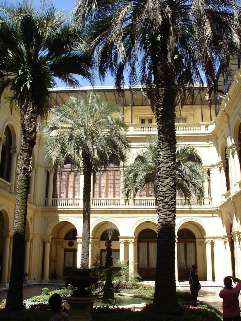 Patio de las Palmeras Casa Rosada 768x1024 - Casa Rosada, reședința prezidențială pe care Eva Perón a făcut-o faimoasă