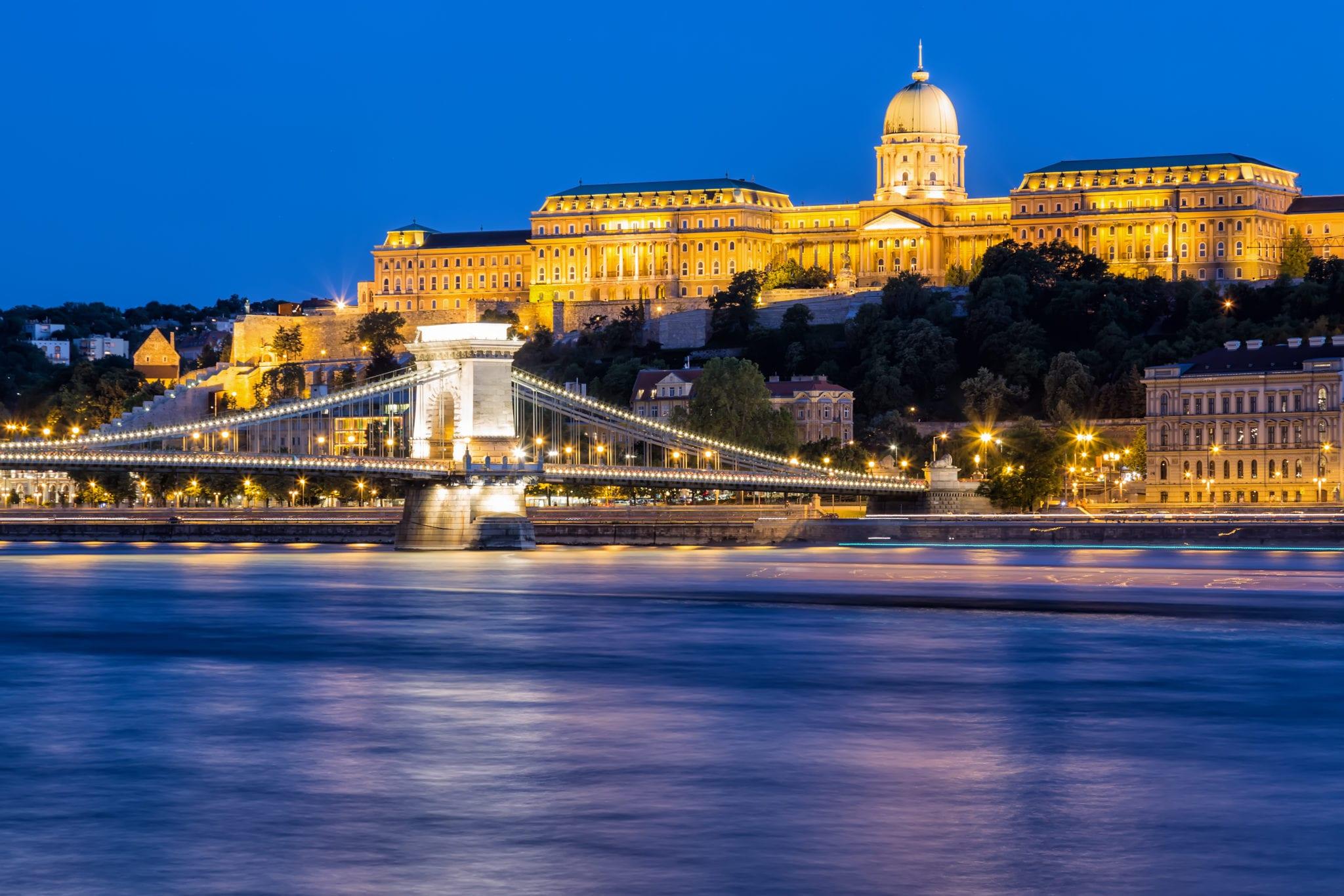 castelul buda scaled - Castelul Buda, bijuterie a arhitecturii aureolată de mistere întunecate