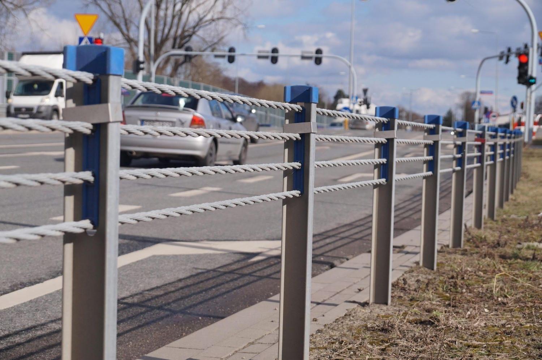 291216604 k - De ce să alegi utilajele Waldevar pentru montarea stâlpilor pentru infrastructură rutieră (P)