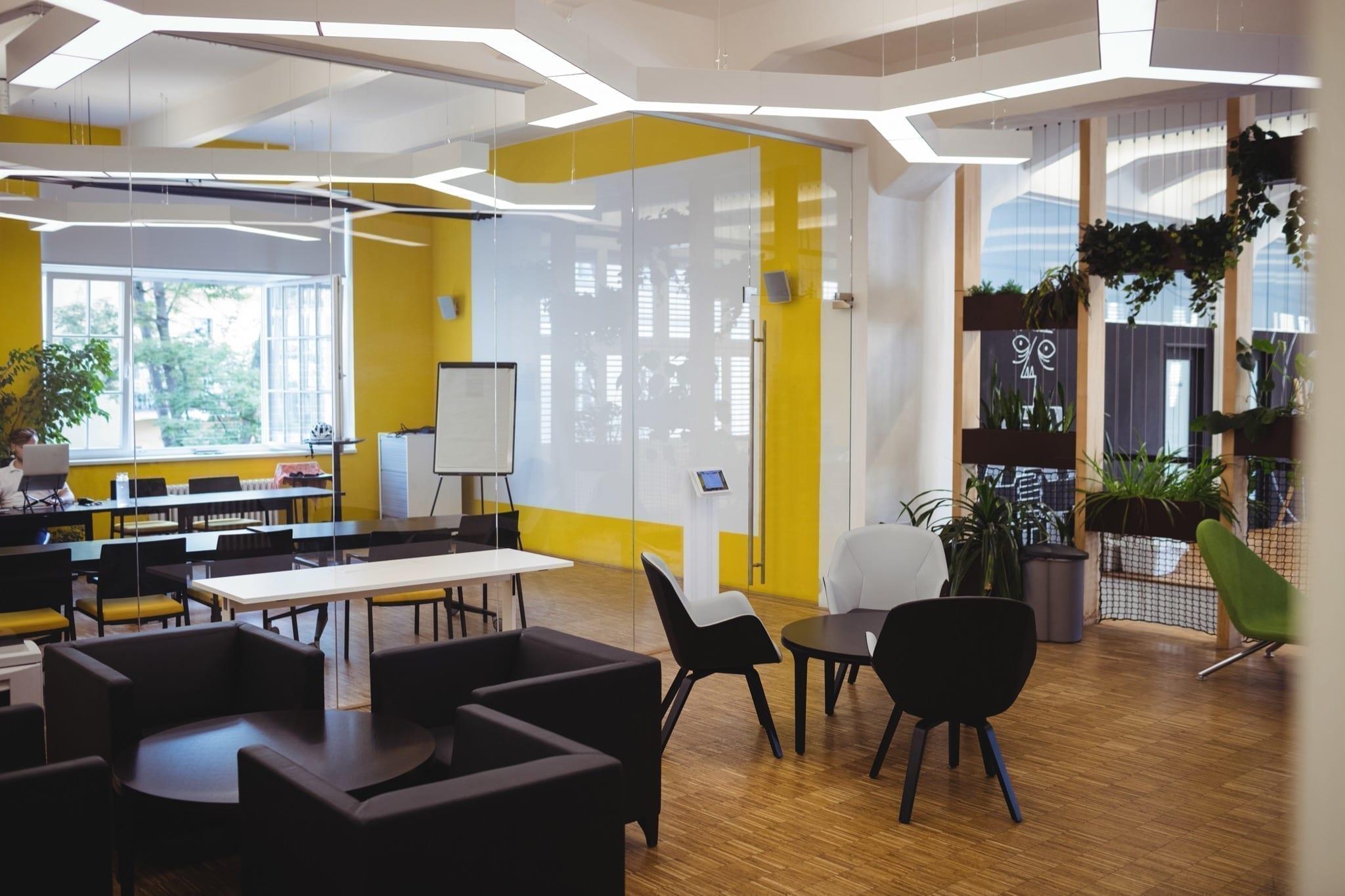 view modern office copy - Pandemia a dus la schimbarea funcționalității unor proiecte imobiliare comerciale