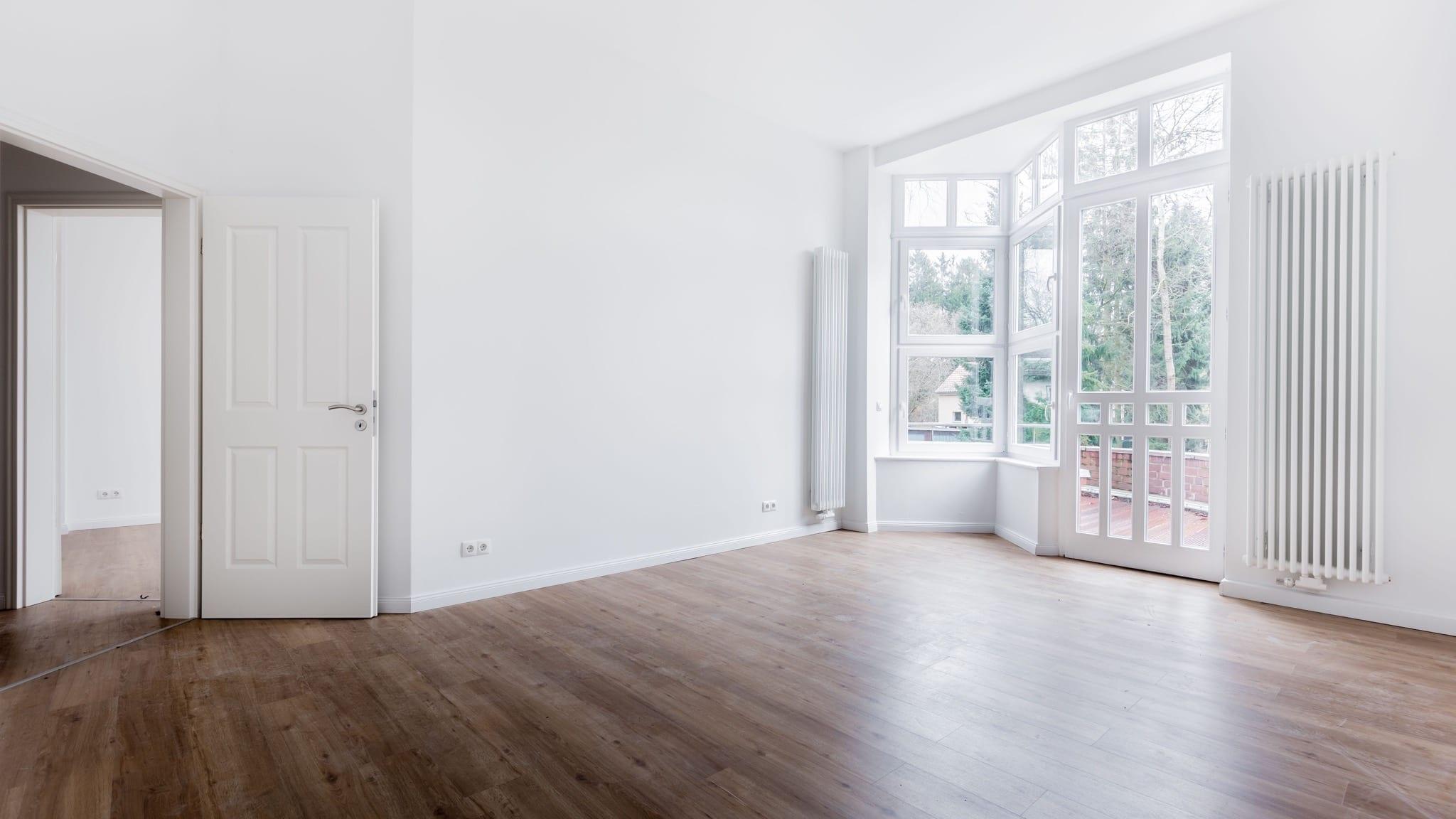 empty room hdr 894306648 5b92dd624cedfd0025fd57ae copy - Sectorul rezidențial din București continuă ritmul accelerat de dezvoltare și în 2021