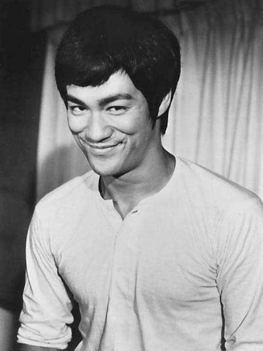 Bruce Lee 1973 - 7 reşedinţe ale celebrităților, abandonate sau scoase la vânzare