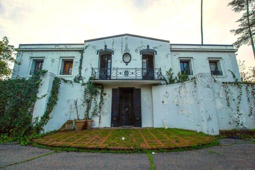 Mineli house 1024x683 - 7 reşedinţe ale celebrităților, abandonate sau scoase la vânzare