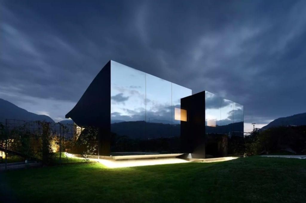 Mirror House copy 1024x679 - Case cu design ultra-original (II)