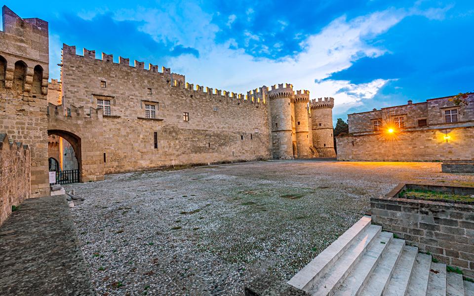 RHODES PALACE OF THE GRANDE MASTERS 001 - Palatul Marelui Maestru al Cavalerilor din insula Rhodos