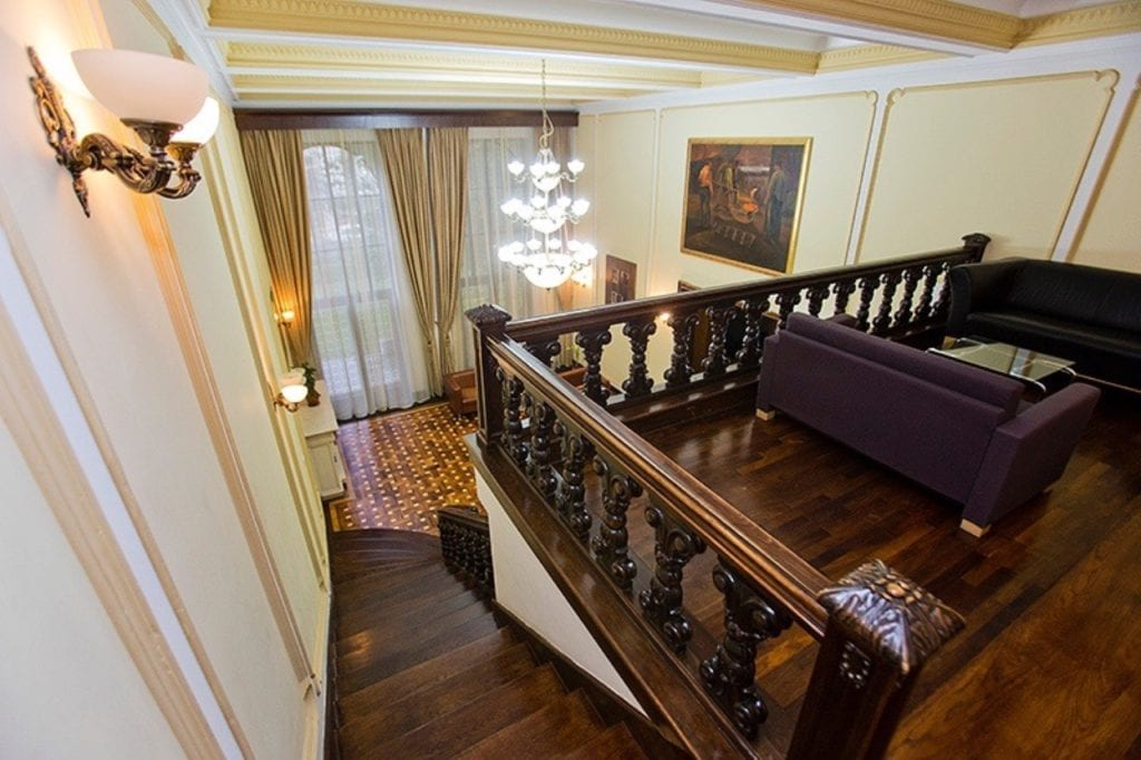 edit img 7543 copy 1024x682 - La ce preț se vând cele mai impresionante palate ale României?